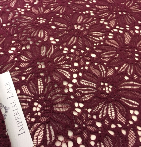 Wine red lace . Photo 3