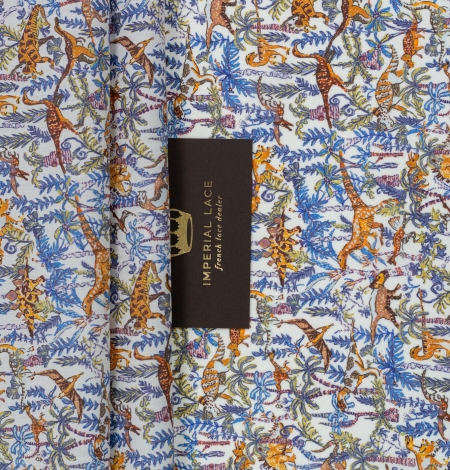 Multicolor nature pattern light cotton fabric. Photo 2