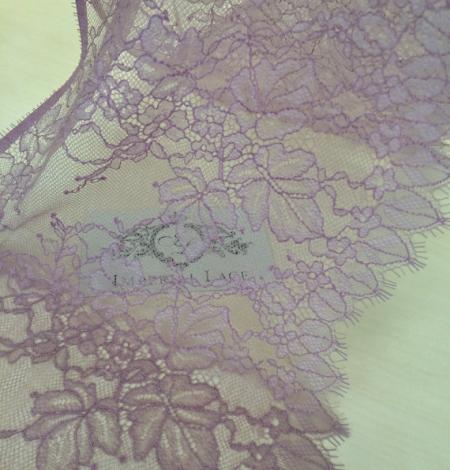 Light lilac lace trim. Photo 1