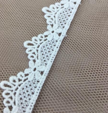 Ivory lace trim. Photo 4
