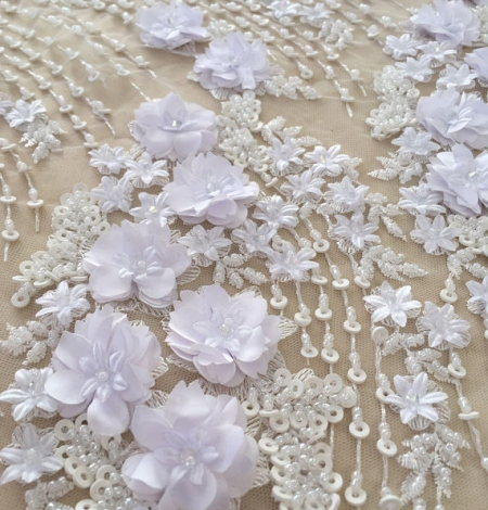 White 3D floral pattern embroidery on tulle fabric. Photo 3