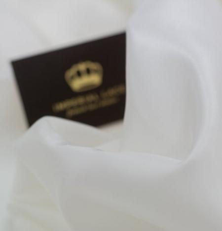 Ivory silk lining fabric . Photo 2
