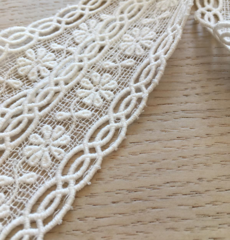 Ivory cotton lace trimming. Photo 5