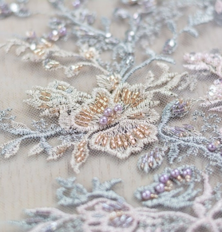 Greyish pink embroidery on grey tulle fabric. Photo 4