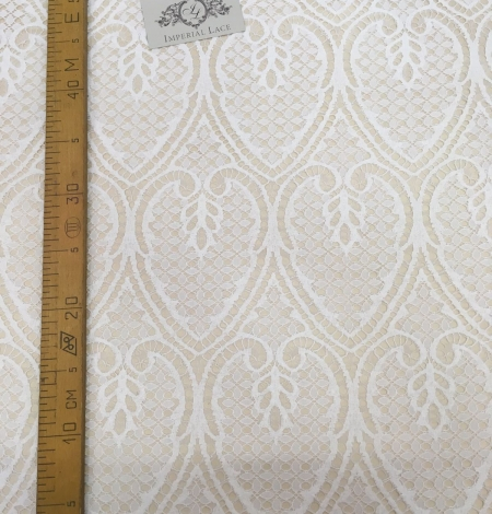 Ivory figurative lace fabric . Photo 5