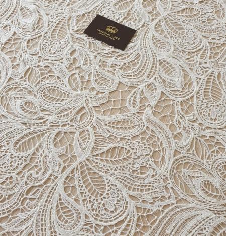 Ivory floral pattern macrame lace fabric . Photo 4
