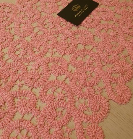 Pink macrame lace trimming. Photo 3
