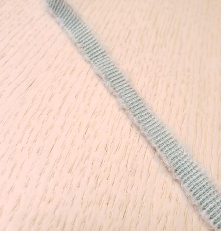 Mint green wool grosgrain ribbon application. Photo 3