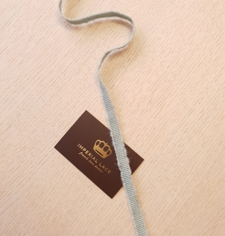 Mint green wool grosgrain ribbon application. Photo 6