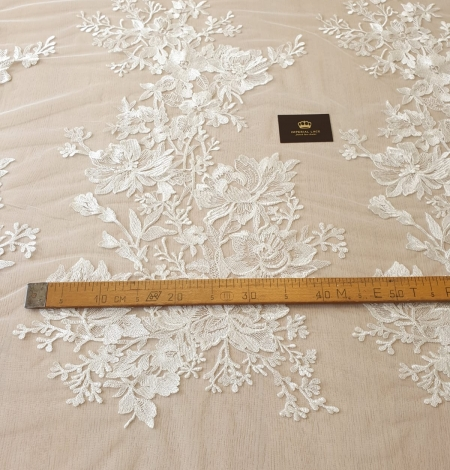 Ivory 100% polyester floral pattern embroidery lace fabric. Photo 10
