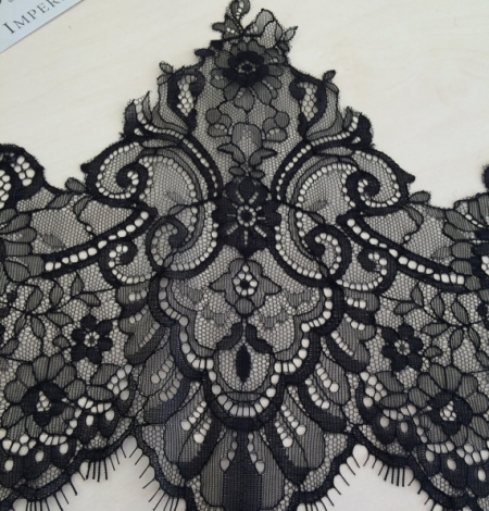Black Lace Trim. Photo 1