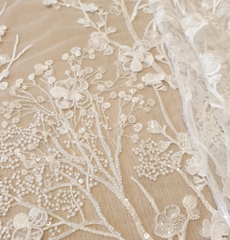 Ivory floral embroidery on tulle fabric. Photo 5