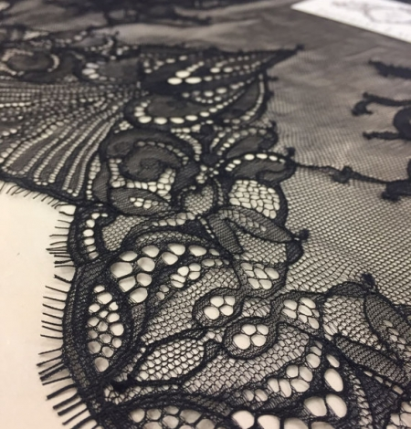 Black lace fabric by the yard. Photo 3