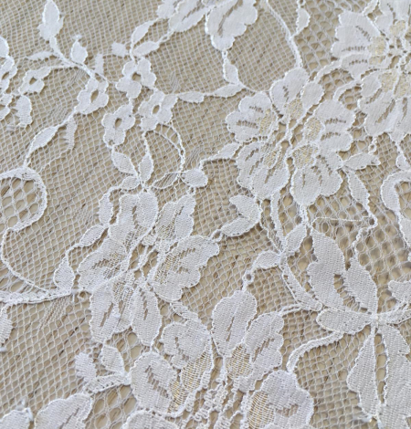 Offwhite lace fabric. Photo 6