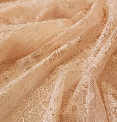 Nude 100% polyester floral chantilly lace fabric. Photo 8