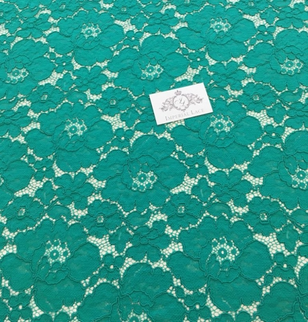 Green floral pattern guipure lace fabric. Photo 3
