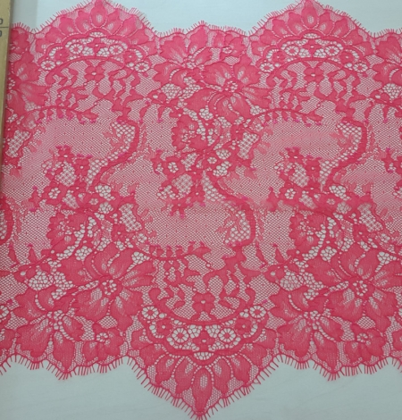 Bright Pink Lace Trim. Photo 5