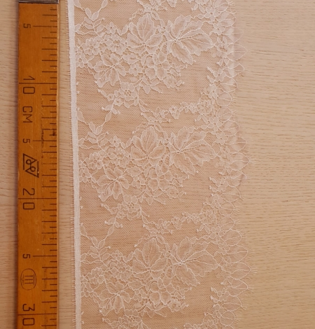 Light pink white romantic chantilly lace trimming. Photo 7