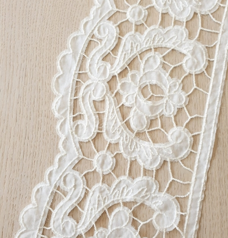 Ivory 100% cotton thicker thread guipure lace trimming. Photo 3