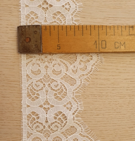 Snow white guipure lace trimming. Photo 9
