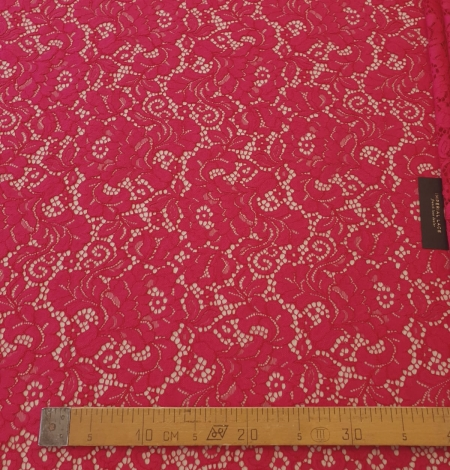 Raspberry pink 100% polyester floral pattern guipure lace fabric. Photo 9