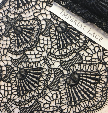 Black macrame lace trimming. Photo 5