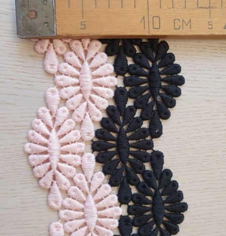 Black and pink macrame cotton lace trimming. Photo 5