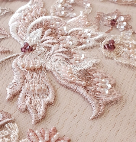 Pink beaded floral lace fabric. Photo 7