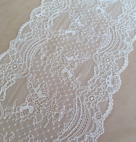 Ivory elastic lace trim. Photo 1