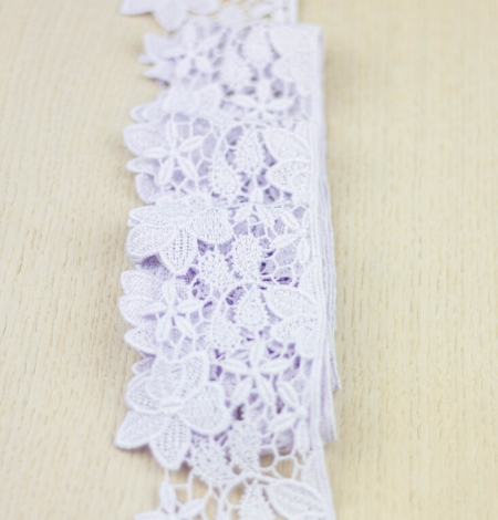 Light lilac floral pattern macrame lace trimming . Photo 2