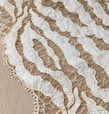 Elastic ivory lace trimming. Photo 2