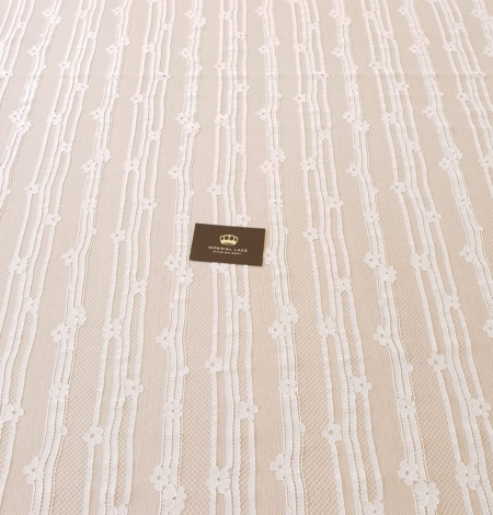 Off white 100% polyester lines and floral pattern chantilly lace fabric . Photo 8