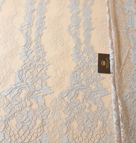 Bluishgrey on nude guipure with chantilly lace fabric. Photo 2
