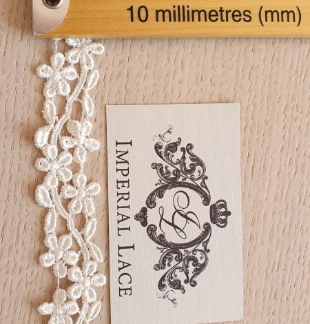Ivory macrame lace trimming. Photo 5