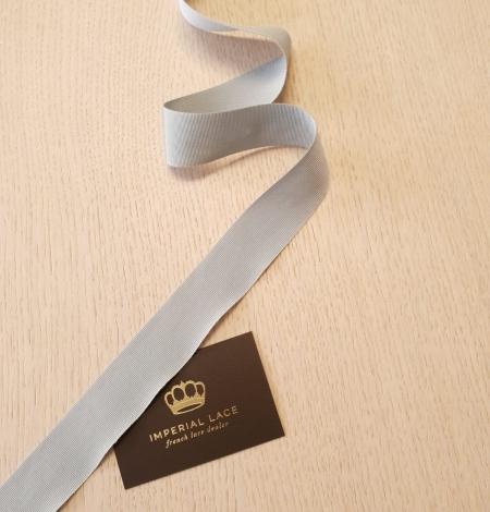 Light greyish blue grosgrain ribbon application. Photo 6