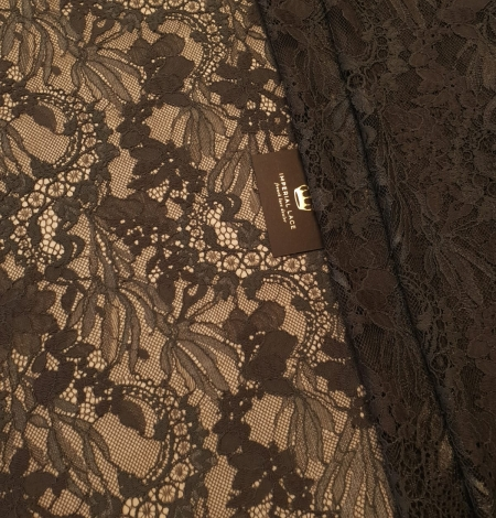 Greyish brown chantilly floral pattern lace fabric. Photo 1