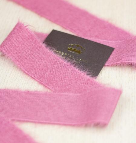 Raspberry pink lana wool ribbon. Photo 4