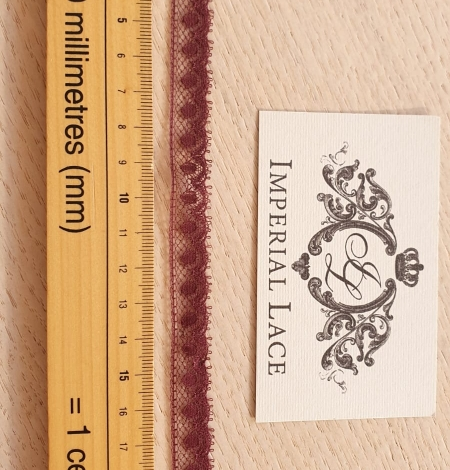 Wine red chantilly lace fabric. Photo 4