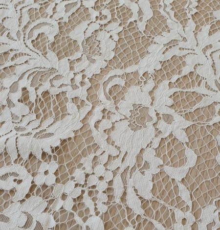 Ivory guipure lace fabric. Photo 6