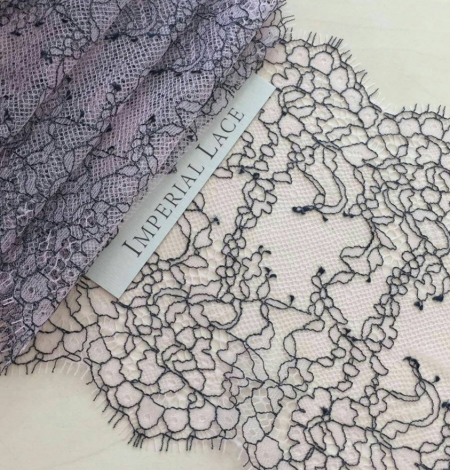 Light lilac Lace Trim. Photo 1