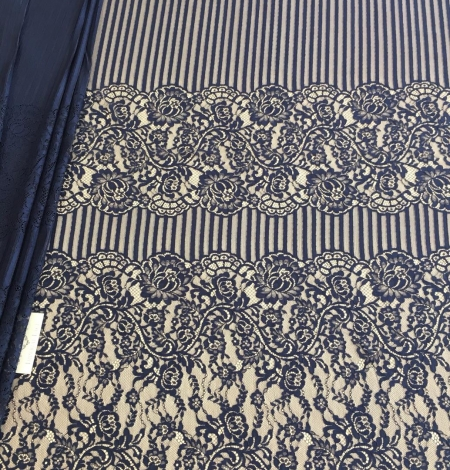 Dark blue lace fabric. Photo 5