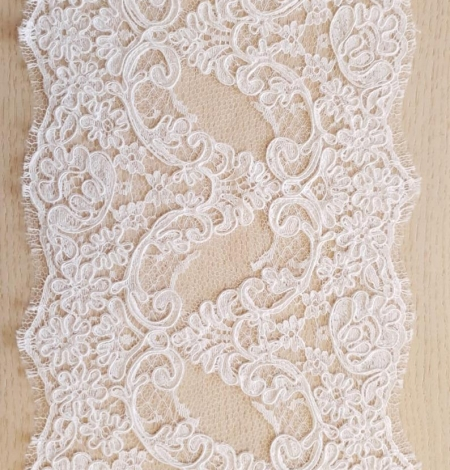 White Lace Trim French Lace. Photo 4