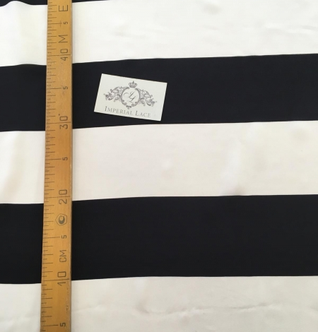 Silk Crepe fabric with white and black print. Photo 9