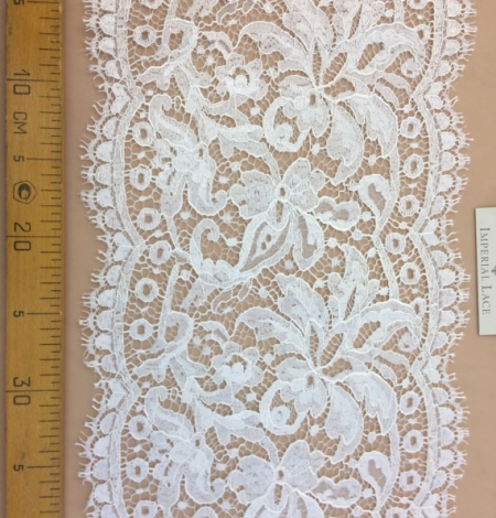 Ivory viscose lace trim. Photo 4
