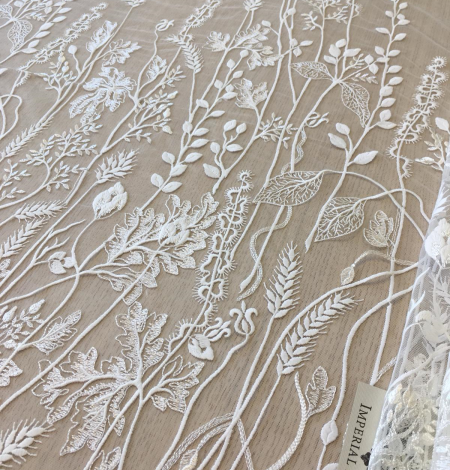 Ivory embroidery lace fabric. Photo 1