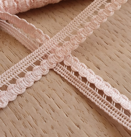 Baby pink macrame lace trimming. Photo 2