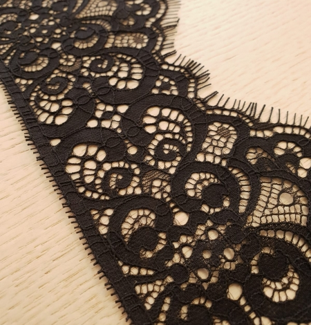 Black guipure lace trimming. Photo 2