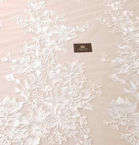 Ivory 100% polyester floral pattern embroidery lace fabric. Photo 8