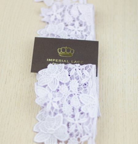Light lilac floral pattern macrame lace trimming . Photo 3