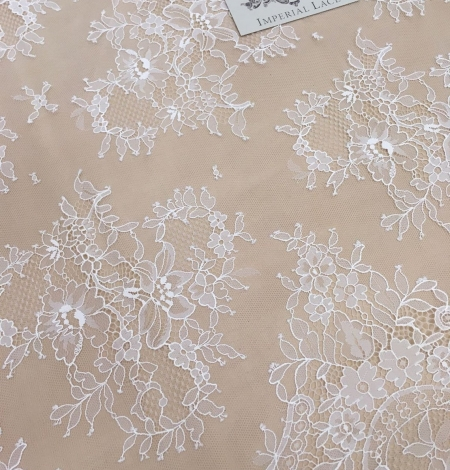 Off white chantilly floral lace fabric. Photo 4